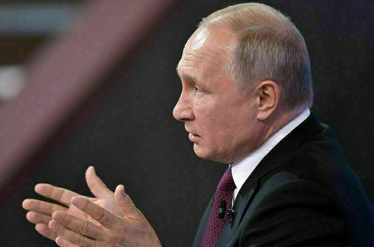 Путин поручил продумать вопрос регулирования детского контента в интернете