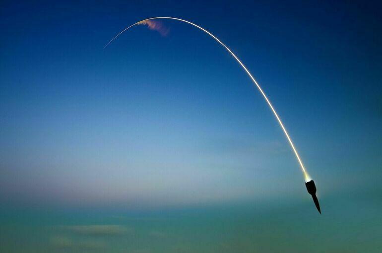Власти Японии: КНДР запустила баллистическую ракету