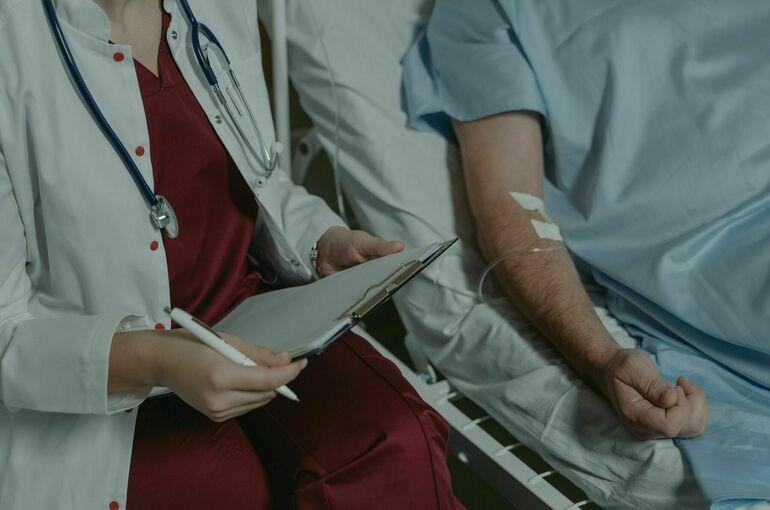 Врач рассказал о пользе смартфонов при лечении коронавируса