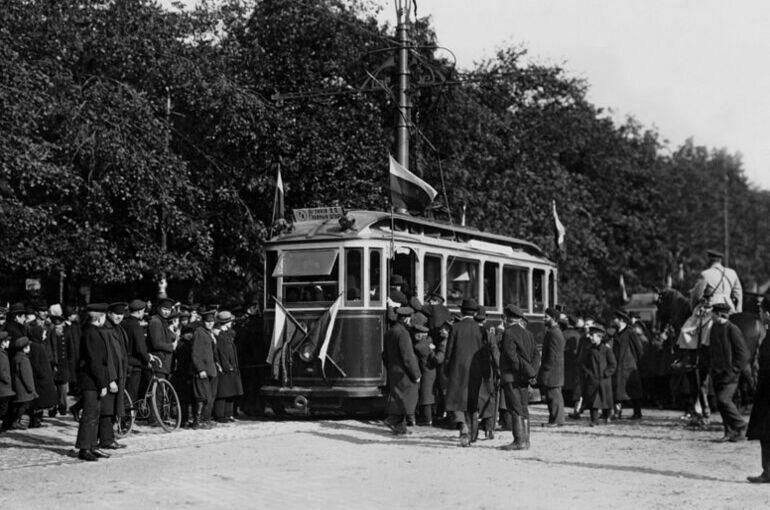 Как мосты в Петербурге помешали запустить первые трамваи
