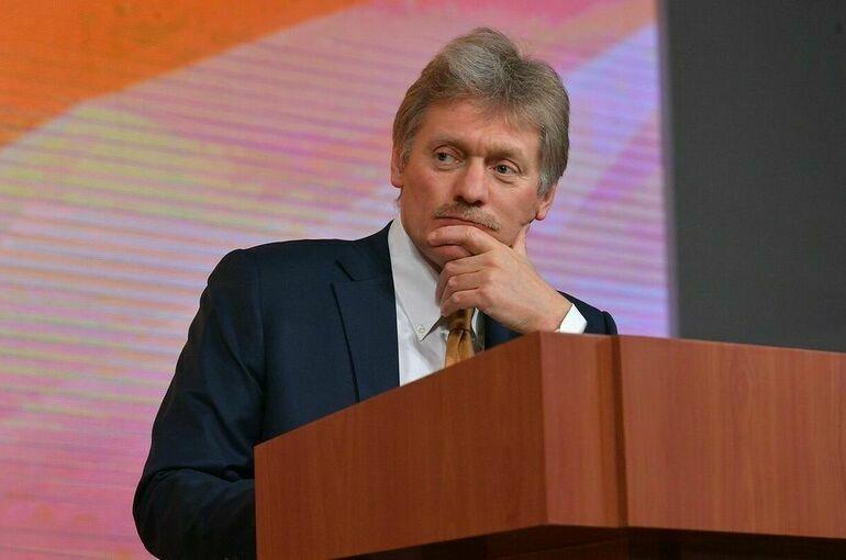 Вводить федеральные меры из-за ситуации с COVID-19 пока не планируется, сообщил Песков