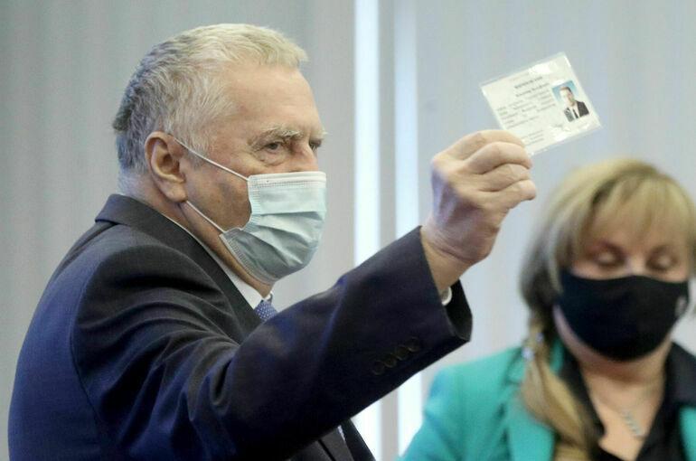 Центризбирком зарегистрировал депутатов Госдумы VIII созыва