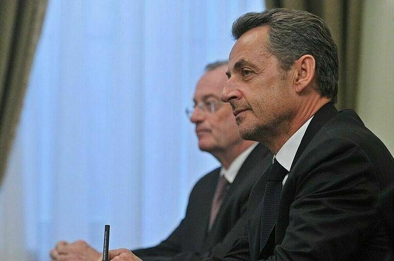 Экс-президента Франции Николя Саркози приговорили к году тюрьмы