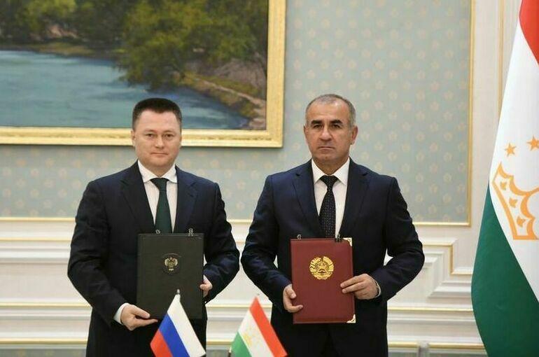 Генпрокуроры РФ и Таджикистана подписали меморандум о сотрудничестве прокуратур двух стран