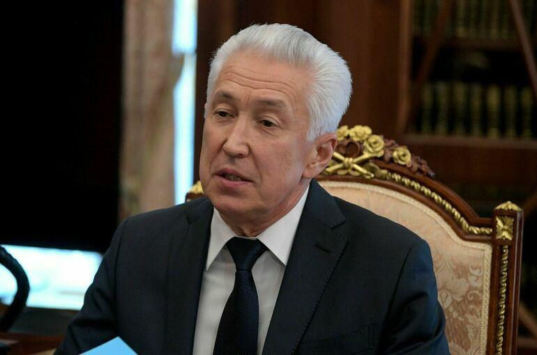 Путин освободил Владимира Васильева от должности советника президента