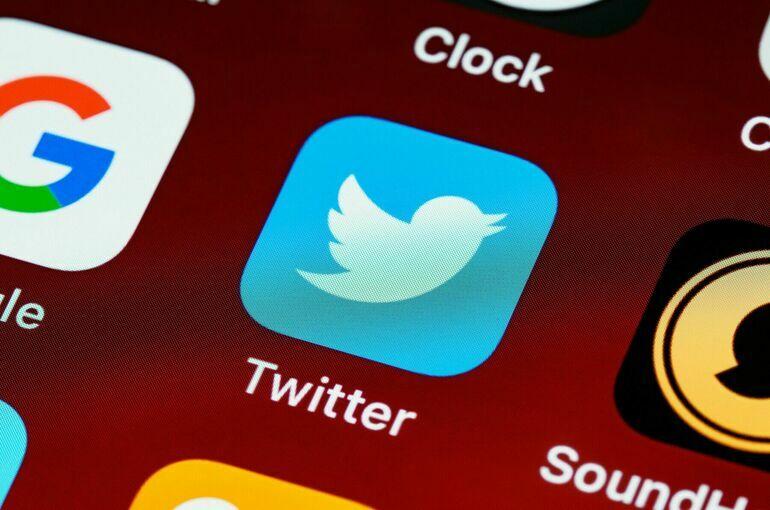Трамп попросил временно вернуть ему учётную запись в Twitter до решения суда