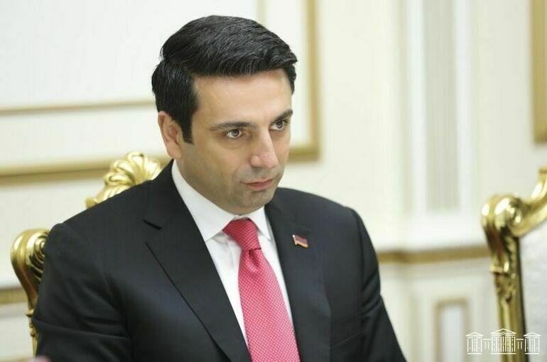 Спикер парламента Армении посетит Россию с официальным визитом