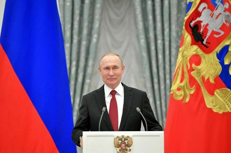 Путин поздравил Кисиду с избранием на пост премьер-министра Японии