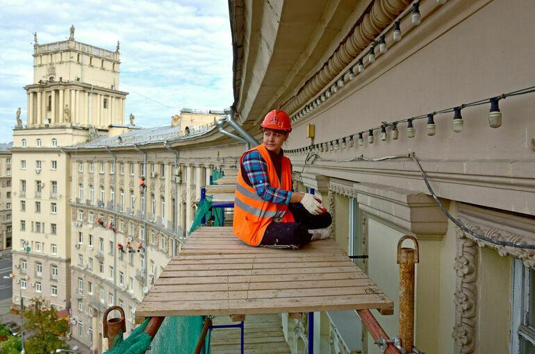 Госкомпаниям предлагают поучаствовать в ремонте жилых домов-памятников