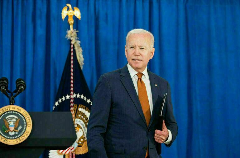 Сенаторы призвали Байдена выслать 300 российских дипломатов