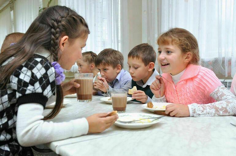В Роспотребнадзоре подвели итоги горячей линии по вопросам питания школьников