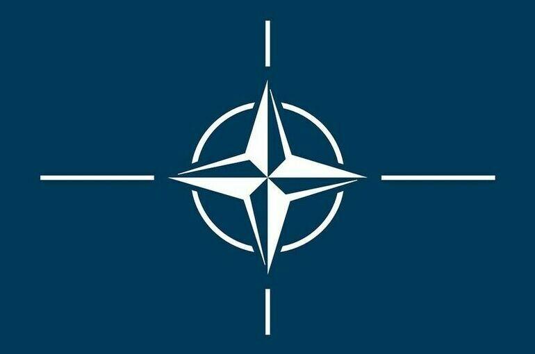 НАТО лишила аккредитации восемь сотрудников российского представительства при альянсе