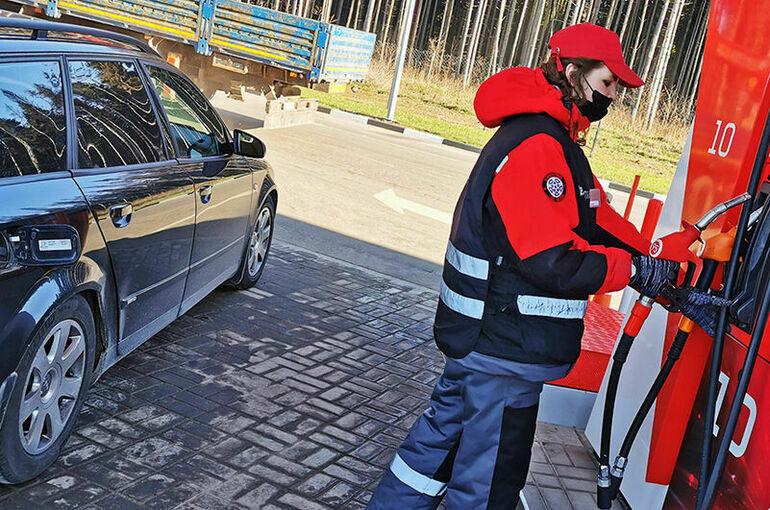 В Российском топливном союзе предупредили о возможном росте оптовых цен на бензин
