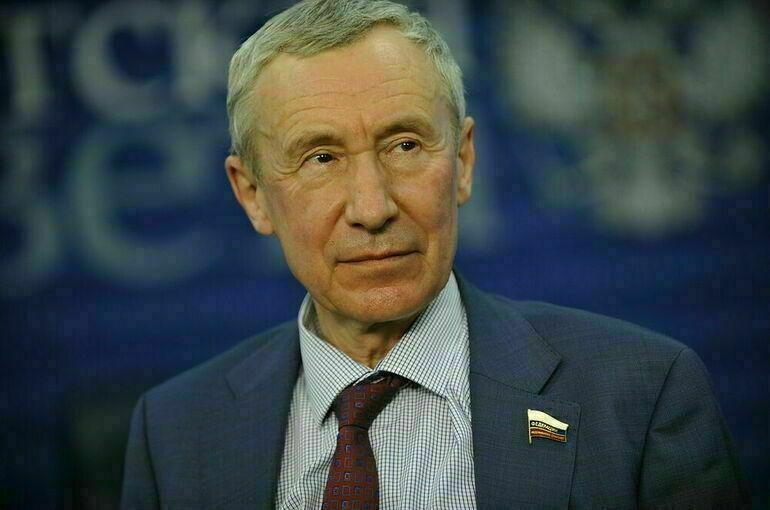 Климов: высылка российских дипломатов из НАТО без ответа не останется