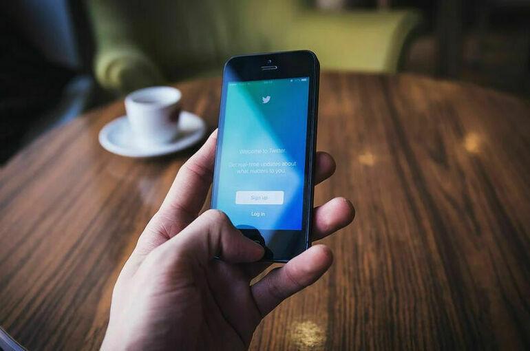 Приставы принудительно взыщут с Twitter почти девять миллионов рублей