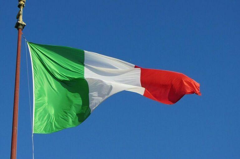 В Риме и Милане произошли массовые акции против COVID-паспортов