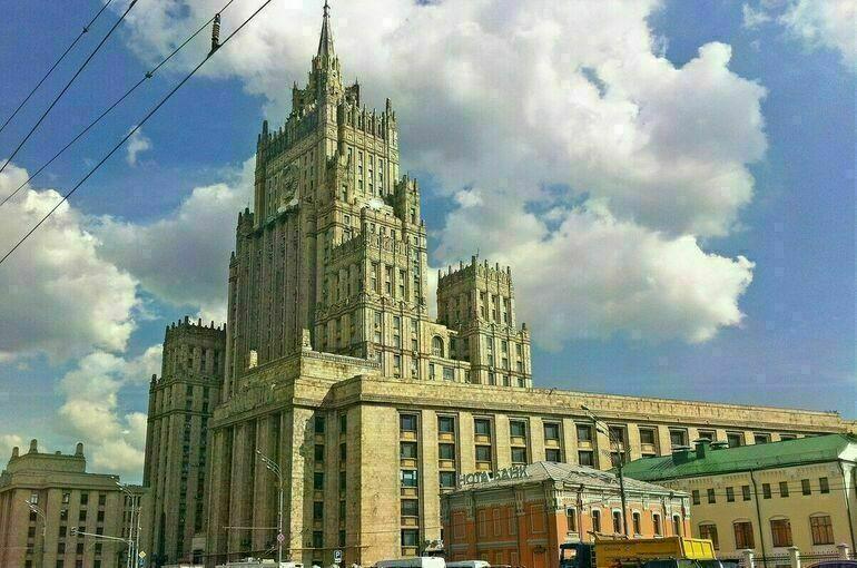 Вашингтон исключил ряд россиян из санкционных списков перед визитом Нуланд