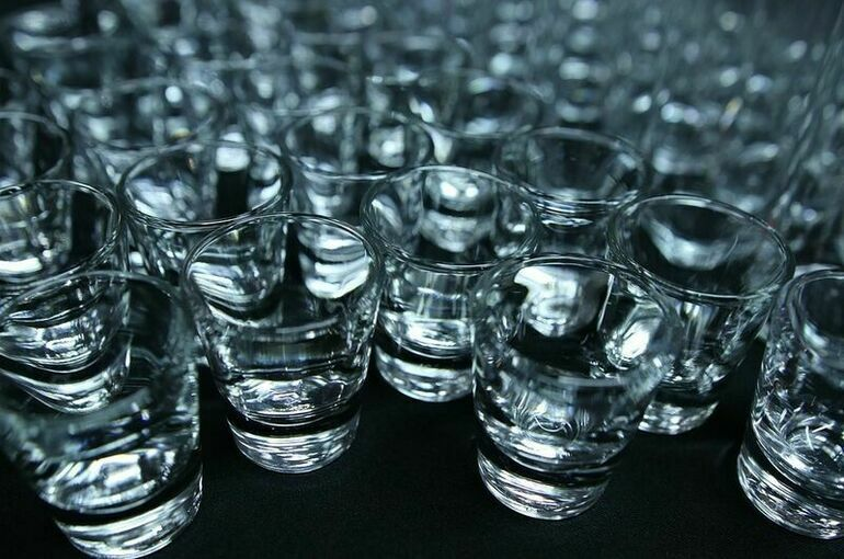 Нарколог назвал смертельную дозу суррогатного алкоголя