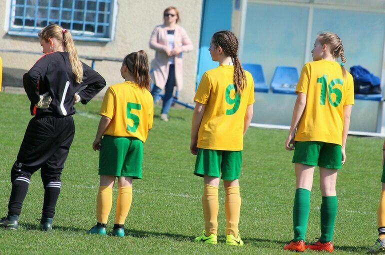 В России проведут эксперимент по развитию в школах футбольных секций для девочек