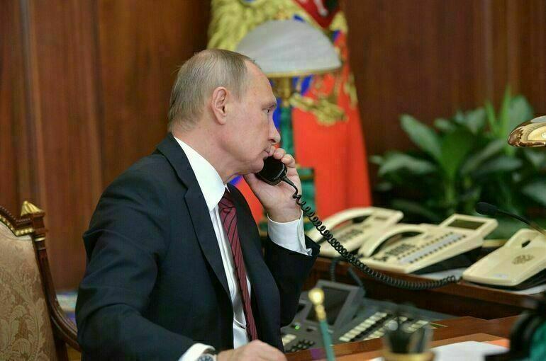 Путин обсудил с Меркель и Макроном «пробуксовку» минских соглашений