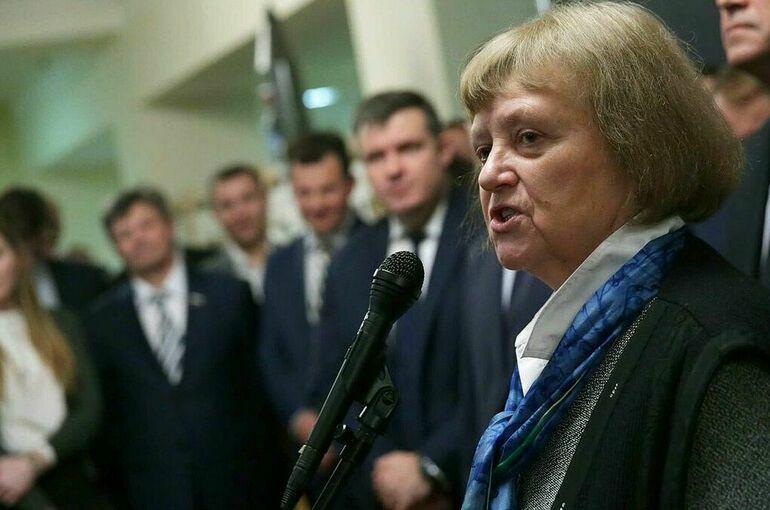 Савицкая: депутаты должны принимать законы, отвечающие интересам граждан