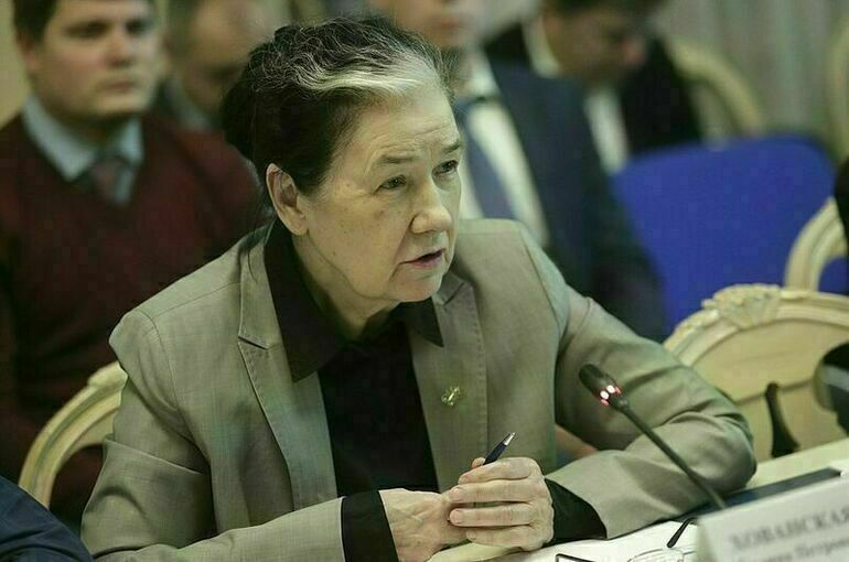 Хованская призвала депутатов работать на благо людей