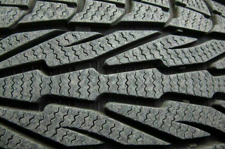 Водителям рассказали, как самостоятельно проверить износ шин