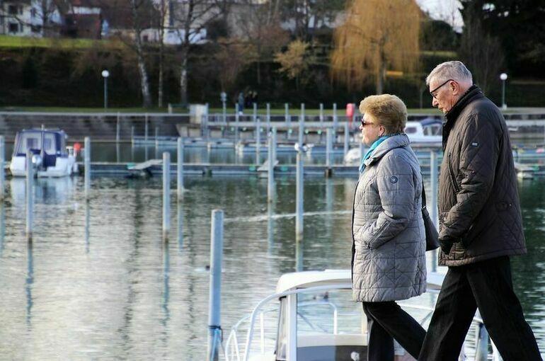 В Минтруде отметили необходимость дополнительных мер поддержки пожилых
