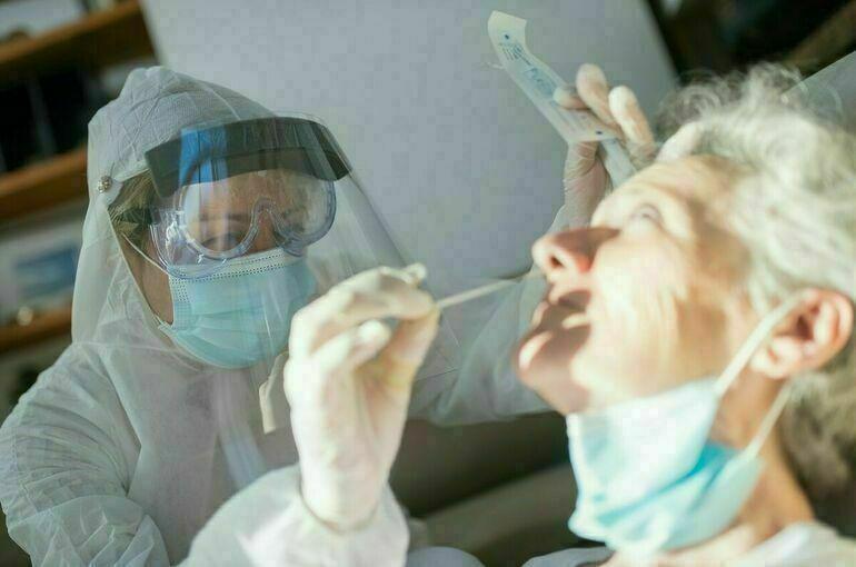 ВОЗ зафиксировала сокращение случаев заражения коронавирусом в мире