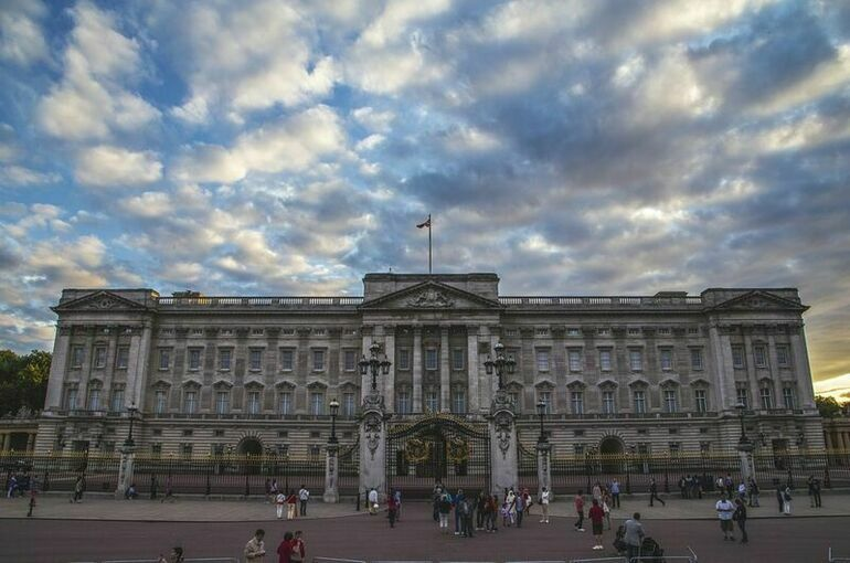 Королева Великобритании признала российский статус Крыма, на очереди — принц Уильям?