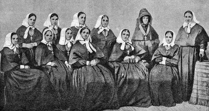 Сестры Крестовоздвиженской общины попечения о раненых вСевастополе  в 1855 году
